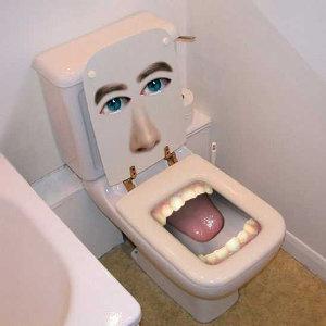 http://lifewithbeansandweenies.files.wordpress.com/2008/04/bite_me_toilet_300.jpg